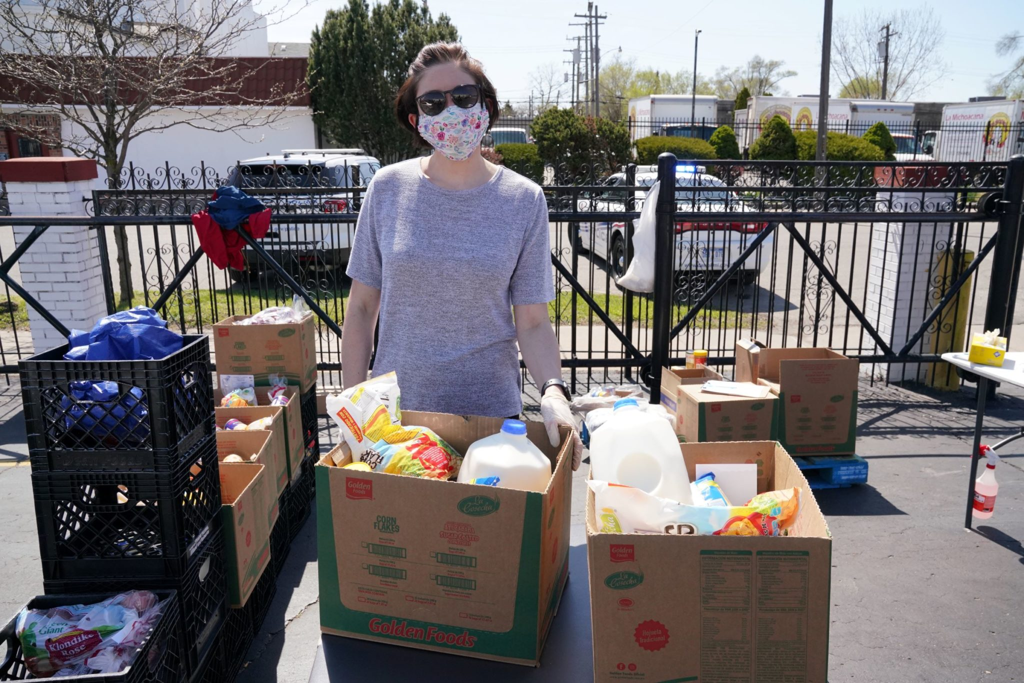 Gleaners staff hands out nutritious groceries at a food distribution in Detroit, Michigan.
