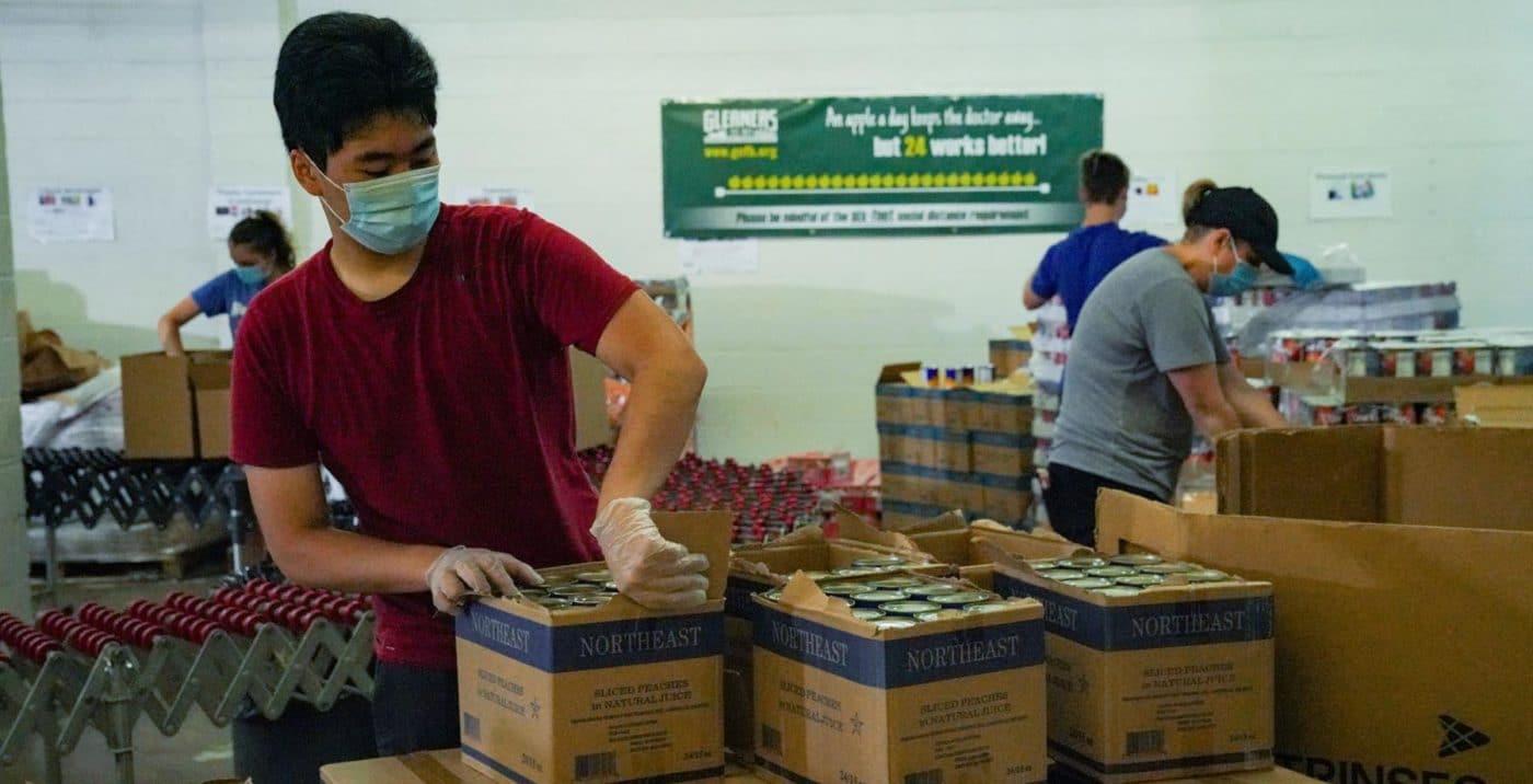 Volunteers Working in Pontiac